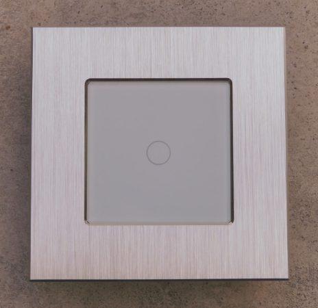 W7-1-2 érintőkapcsoló alumínium kerettel 1 lámpához,normál vagy alternatív bekötési lehetőséggel