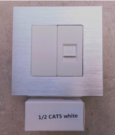 WCAT5-3   1/2  Internet csatlakozó aljzat  fehér
